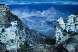 Blaue Stimmung am Grandcanyon fotografiert auf Kodakchrome64